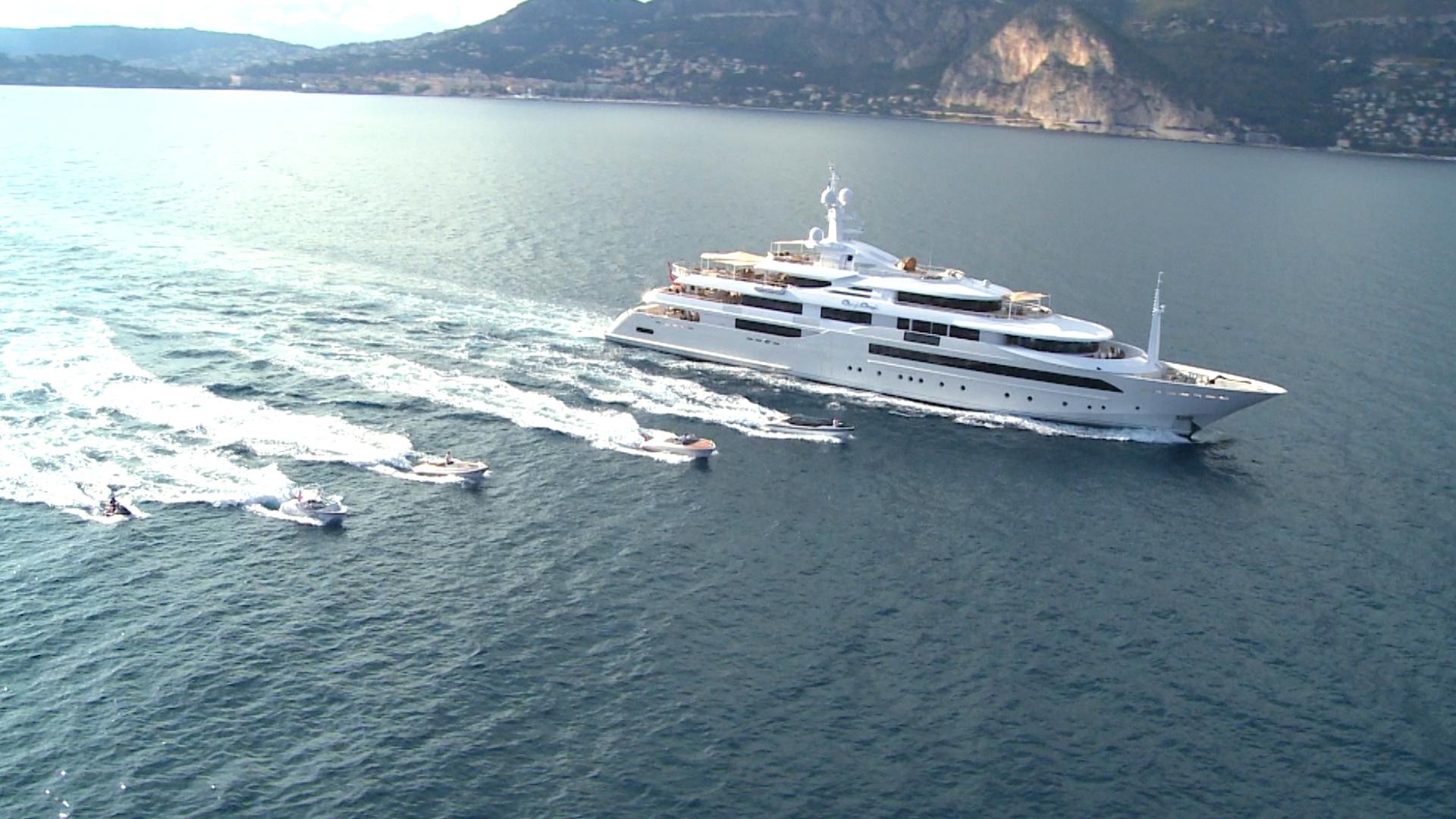 Yacht CRN1